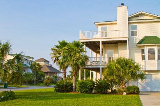 Tybee joy vacationstybee island lighthouse getaways for Cabin rentals near savannah ga