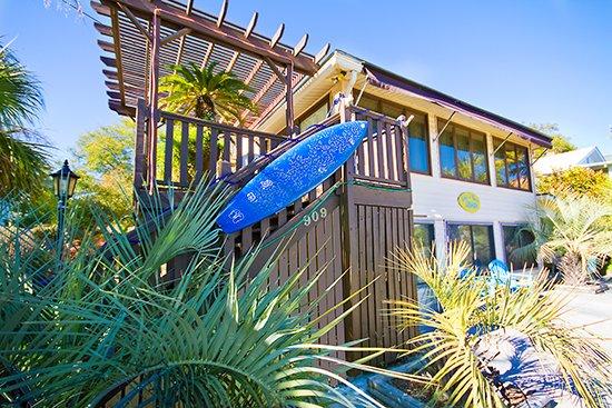 Tybee joy vacationstybee island for the holidays tybee for Cabin rentals near savannah ga